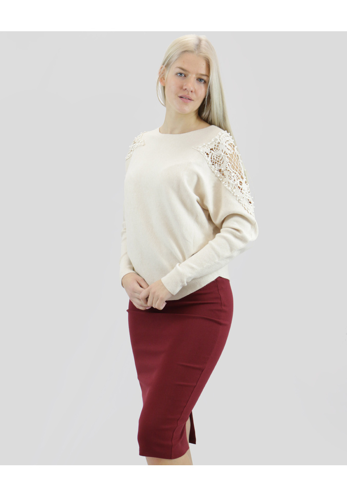 Pearl Lace Shoulder Trim Knit Top