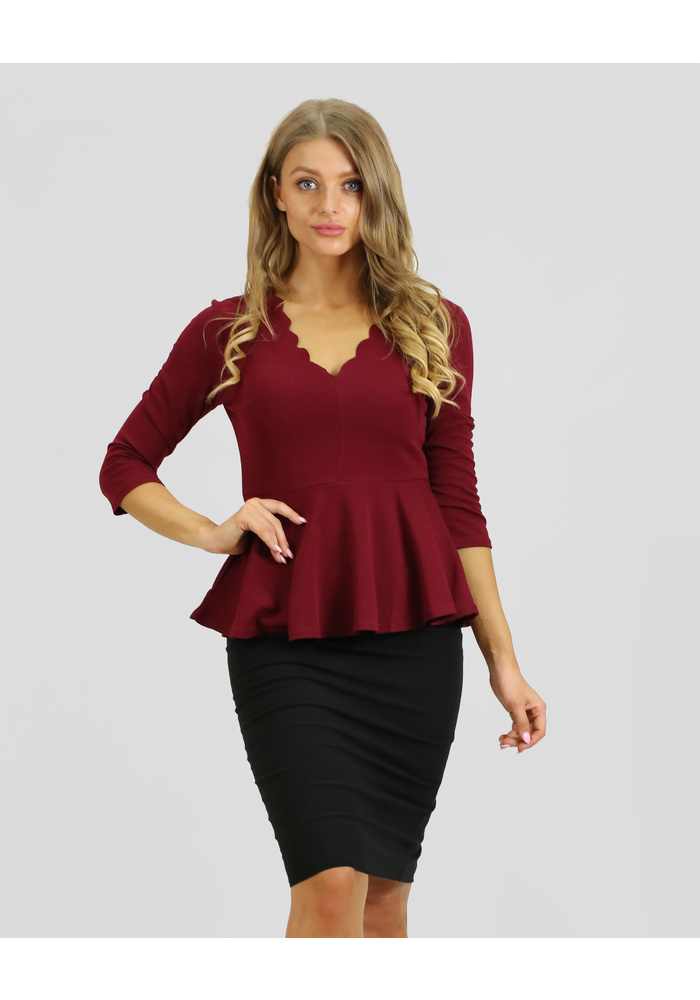 3Q Sleeve Scallop Neck Top
